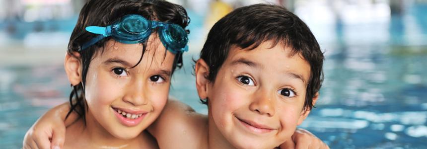 2 kids in pool